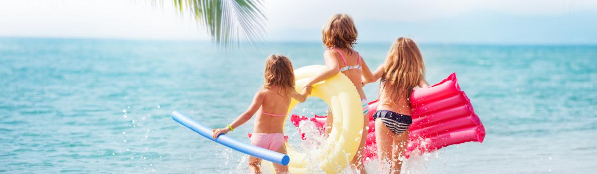 Enfants sur une plage