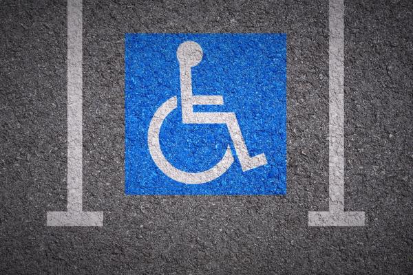 Places de stationnement réservées aux personnes handicapées