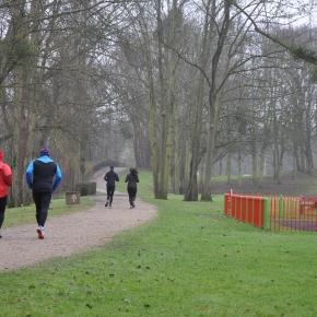 Joggers dans le parc des Larris